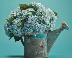 hydrangeas casual rustic centerpiece from flower magazine