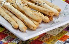 Palitos de Queijo e Ervas - PANELATERAPIA Ingredientes - 2 e 1/2 xícaras (chá) de Polvilho doce; - 1/2 xícara de óleo; - 1/2 xícara de leite; - 4 colheres (sopa) de queijo parmesão ralado; - 1/2 xícara (chá) de chá de queijo minas ralado (pode ser mozzarella ou prato); - 1 colher (chá) de sal; - 1 colher (sopa) de ervas secas de sua preferência; - 1 ovo.