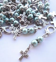 Baptism Party, Boy Baptism, Crochet Placemats, Adult Crafts, Beaded Jewelry, Jewelry Making, Hanger, Zipper Pulls, Key Chains