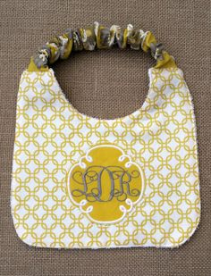 nice This Bandana Bib Tutorial will show you how to make baby bibs from microfleece-backed cotton or cotton jersey.Everyone loves bandana bibs b Baby Sewing Projects, Sewing For Kids, Sewing Hacks, Sewing Ideas, Free Sewing, Sewing Crafts, Quilt Baby, Baby Bibs Patterns, Sewing Patterns