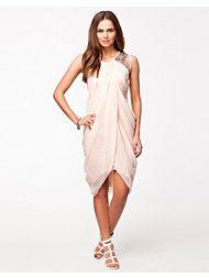 kjole fra nelly.com