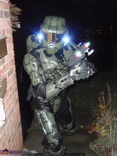 halo 4 master chief halloween costume contest at costume workscom bens creative mind pinterest master chief halloween costume contest and costume