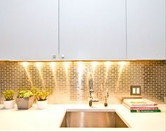The colour Gold is associated with the sun, and therefore to abundance and power, wisdom and understanding. Gold kitchen splashbacks can be prdered from Abbey Glass! Call our team on 01443 238 787