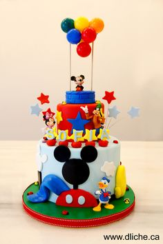 Gâteau avec Mickey Mouse et ses amis! :)  Mickey Mouse & friends cake! :)