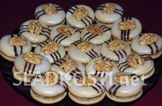 Czech Desserts, Sweet Desserts, Sweet Recipes, Christmas Sweets, Christmas Baking, Christmas Cookies, Czech Recipes, Turkish Recipes, Meringue Cookies