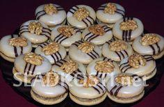 Medové dortíčky s ořechovou nádivkou
