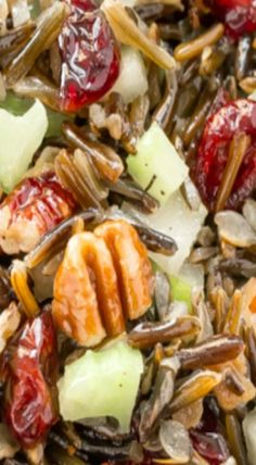 This Wild Rice Pear Pecan salad is loaded with juicy pears, crunchy pecans, sweet craisins and is melded together with a honey vinaigrette dressing. Salad Bar, Soup And Salad, Healthy Salads, Healthy Recipes, Fruit Salads, Fast Recipes, Rice Salad Recipes, Wild Rice Salad, Potato Pasta