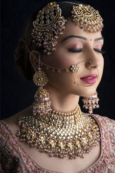 Find the best Makeup artist from Lucknow for quality at the wedding. Call us at for any assistance. Indian Bridal Photos, Indian Bridal Jewelry Sets, Bridal Bangles, Indian Bridal Outfits, Indian Bridal Fashion, Indian Fashion Dresses, Bridal Accessories, Bridal Makeup Videos, Bridal Makeup Images
