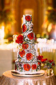 Beauty & The Beast Wedding Cake | Beauty & The Beast Wedding Inspiration | photo by Sanshine Photography