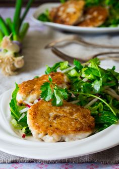 Thai Tilapia Cakes with Herbal Salad | Healthy Seasonal Recipes @Katie Webster #cleaneating #glutenfree