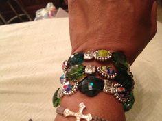Headband convert into a bracelette