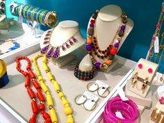 Kate Spade Jewellery is known for being bright, colourful and for it's statement pieces and earlier this week I popped into a local store and was greeted by beautiful colours, handbags, phone case...