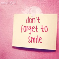 Just in case you need a mid-afternoon reminder…don't forget to smile! Smile Captions, Facebook Captions, Funny Captions, Dont Forget To Smile, Make You Smile, Are You Happy, Don't Forget, Smile Smile, Everyday Quotes