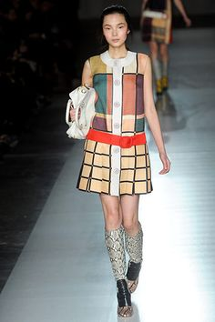 Prada Fall Inspired by the Mondrian dress, Prada incorporated the geometric lines and the mod line. Le Train Bleu, Mondrian Dress, Prada, Mod Look, Rene Gruau, Yves Saint Laurent, Vintage Fashion, Chic, My Style