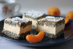 Bonanza cake with poppy seeds and apricot. Poppy seeds is a sponge cake based base layered with whipped cream and apricot mixture. Baking Tins, Baking Soda, Minced Meat Recipe, Poppy Seed Cake, Natural Yogurt, Mince Meat, Brownie Bar, Sponge Cake, Cheesecake