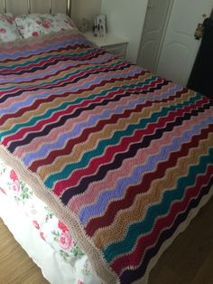 Zig Zag Crochet, Quilts, Blanket, Cute, Trapper Keeper, Quilt Sets, Kawaii, Blankets, Log Cabin Quilts