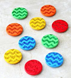 Stenciled magnets with chevron, glitter, and mod podge. Chevron Stencil, Chevron Wall Art, Diy For Kids, Crafts For Kids, Arts And Crafts, Dollar Store Crafts, Craft Stores, Sand Crafts, Diy Crafts