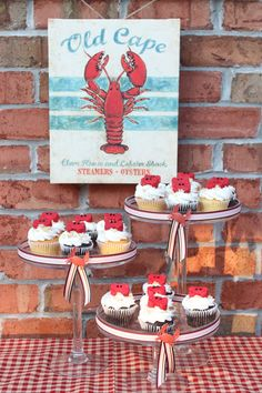 These Nautical or Summer Beach Party Cupcakes are adorable plus easy dessert table styling! - Candy Crab Cupcake Toppers | OHMY-CREATIVE.COM