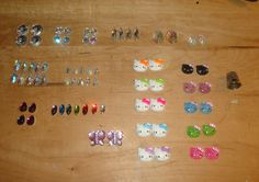 crystals and hello kitty's Beading Supplies, Beadwork, Hello Kitty, Triangle, Beads, Crystals, Beading, Pearl Embroidery, Bead