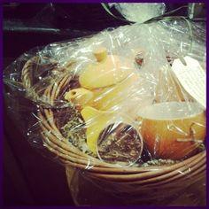 @Pekoe Sip House gift basket: tea pot, matching mugs, infuser and loose leaf tea!