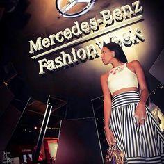 Mira como la espectacular y talentosa  fashion blogger @mdollnyc luce fantástica combinando su outfit de @lulus y @maisonvalentino con nuestro collar #Florianópolis  de #ArenabyAstridCarolina en la @MBFashionWeek en NY Nos sentimos orgullosos de esta hermosa embajadora de la moda y el buen gusto. Desde Venezuela un abrazo!  #mdollnyc #necklace #chic #trendy #moda #fashion #MBFashionWeek #NY #outfit #handmade #florianopolis