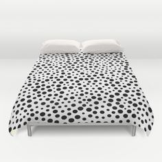 Black White Duvet Covers for Any Bedroom Decor Twin Xl Bedding, Comforter, White Duvet Covers, Queen Duvet, New Room, Beautiful Kitchens, Bedroom Decor, Black And White, Blanco Y Negro