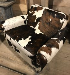 Very nice and solid armchair (love seat) made of cowhide. Each ch - Armchairs - Seats furniture - De Jong Interieur