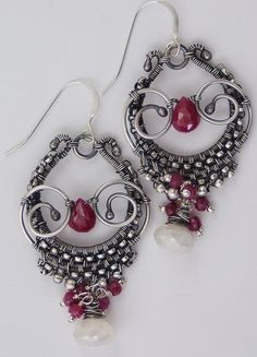 Gailavira - Handcrafted Artisan Jewelry, wonderful wire technique, really like the colors