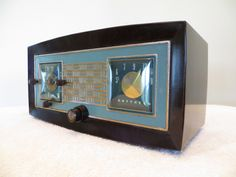 Vintage 1950s Old Raytheon Jet Age Retro Blue Trim Modernistic Tube Clock Radio | eBay