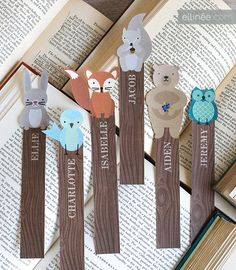 FREE printable woodland critter bookmarks - you can personalize each one so easy…