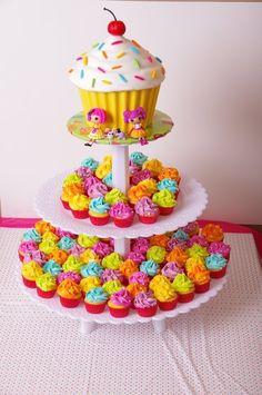 ¡Un hermoso y gran pastel!