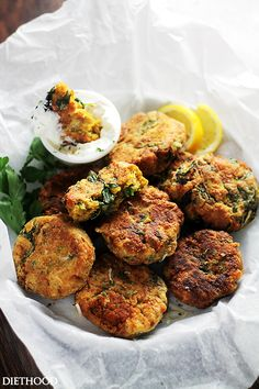 *egg replacement Spinach Lentil Fritters by diethood: Deliciously crispy fritters made with lentils and spinach, and served with a side of lemon-sour cream sauce. Veggie Recipes, Appetizer Recipes, Vegetarian Recipes, Cooking Recipes, Healthy Recipes, Fingers Food, Crostini, Clean Eating, Healthy Eating