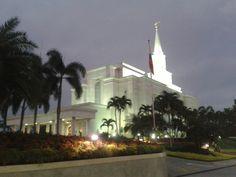 Templo de Santos de los Ultimos dias in Guayaquil, Guayas