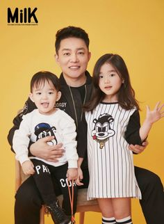 KBS variety 'Superman is Back's newest family has taken on a family pictorial! Father Lee B…