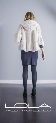 Vas a querer este abrigo, y lo sabes.  Pinch este enlace para comprar tu abrigo TWIN SET en nuestra tienda on line:  http://lolamodaycalzado.es/otono-invierno-2016/862-abrigo-vison-claro-de-twin-set.html