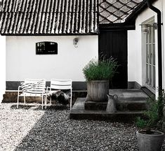 Nils and Sofia Odier's home in Skåne, Sweden (Residence magazine, styling Lotta Agaton, photo Pia Ulin) – Husligheter.se
