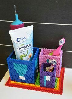 Toothbrush holderq