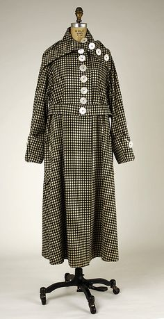 1919 wool Coat. This one style/cut/shape is very typical from that time.