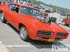 Google Image Result for http://image.highperformancepontiac.com/f/27373669/hppp_1003_08_z%2B2009_pontiac_drag_race_car_show%2B1969_judge.jpg