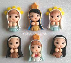 Christmas Decorations, Christmas Ornaments, Holiday Decor, Polymer Clay Pens, Kawaii, Tea Art, Pasta Flexible, Clay Dolls, Anime Chibi