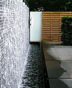 Idee per 20 Tabletop Fountains Water Wall Fountain, Tabletop Water Fountain, Outdoor Water Features, Water Features In The Garden, Modern Backyard, Backyard Landscaping, Backyard Waterfalls, Backyard Ideas, Outdoor Wall Fountains