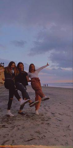 Best Friends Shoot, Three Best Friends, Cute Friends, Best Friend Goals, Bff Pictures, Best Friend Pictures, Friend Photos, Beach Pictures, Friendship Photoshoot