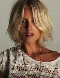 Blunt bob blond