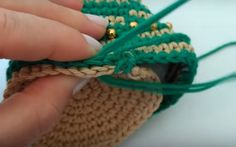 Paso a Paso Arbol de Navidad Conica al Crochet ⋆ Manualidades Y DIYManualidades Y DIY Crochet Diy, Theme Noel, Friendship Bracelets, Knitting, Christmas, Ideas, Holiday Crochet, Crochet Stitches, Craft