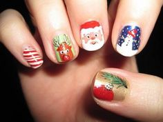 Make your nails shine with cute nail designs. Looking for beautiful nail art ideas? Check out 7 simple yet attractive Christmas nail art ideas and designs. French Nail Designs, Christmas Nail Art Designs, Nail Polish Designs, Cute Nail Designs, Christmas Design, Cute Christmas Nails, Xmas Nails, Holiday Nails, Simple Christmas