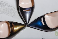 LULY PUMPS IN PATENT LEATHER WITH A PULL-UP EFFECT - Shoes Woman - Alberto Guardiani