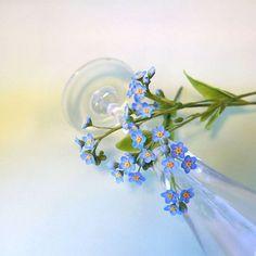 А вот и они - незабудочки мои. Цветы из флористической полимерной глины.  #ТатьянаПянзина #керамическаяфлористика  #холодныйфарфор  #декор #интерьер #длядома #цветыизглины   #ceramicflowers #polymerclay #handmade