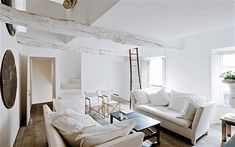 Images of interior designer Jacqueline Morabito's beautiful whitewashed house   in Provence, France.