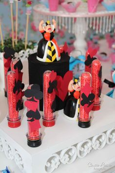 Pin by tiffany mcfalls on kylies wonderland party in 2019 вечеринка, де Casino Night Party, Casino Theme Parties, Party Themes, Party Ideas, Casino Decorations, Table Decorations, Alice In Wonderland Tea Party, Casino Cakes, Video Games For Kids