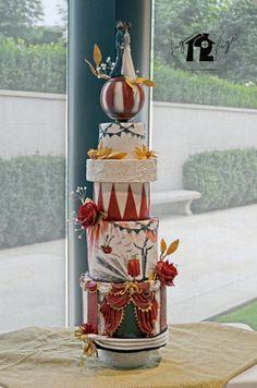 Vintage+Circus+Wedding+Cake+-+Cake+by+Daniel+Diéguez